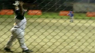 getlinkyoutube.com-Cocky Little Leaguer Hits Home Run
