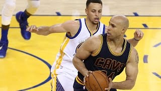 getlinkyoutube.com-Shots Fired! Steph Curry BLASTED by Richard Jefferson Over 'Champagne' Comments