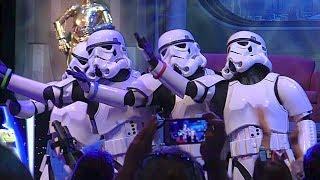 "getlinkyoutube.com-Stormtroopers sing ""Let It Go"" from Frozen in song medley at Star Wars Weekends 2014"