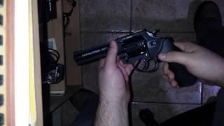 getlinkyoutube.com-Revolver Zoraki R1 4.5 Cal. 9mm .380
