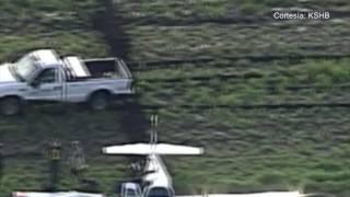 Un avioneta pequeña realizó un aterrizaje de emergencia en Olathe, Kansas.