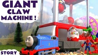 getlinkyoutube.com-Thomas & Friends GIANT Surprise Eggs Claw Machine used by Avengers Hulk Toy Story TT4U