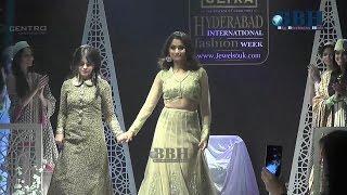 Ishita Singh Collection 2015 Fashion Week The Park Hotel