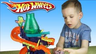 getlinkyoutube.com-Обзор игрушек. Трек Hot Weels Научная лаборатория. Color Shifters. Машинка меняет цвет. Nick TURBO