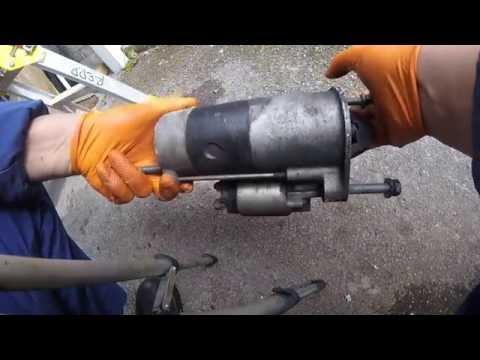 Где щетки генератора у Chrysler Гранд Вояджер