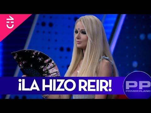Julio César hizo reír a la Barbie Humana - Primer Plano - Chilevisión