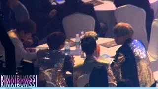 getlinkyoutube.com-[HD fancam] 130131 seoul music awards - SHINee & jimmy jib ^_T table 5