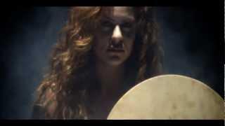 Kırmızı – Araf (Aile İçi Şiddete Son için Destek Şarkısı) şarkısı dinle
