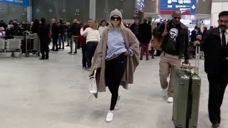 getlinkyoutube.com-EXCLUSIVE - Sofia Richie arriving at the airport in Paris