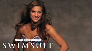 getlinkyoutube.com-Alex Morgan Body Painting | Sports Illustrated Swimsuit