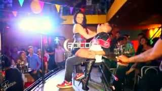 getlinkyoutube.com-Stripper Luna en discoteca  Capitolio