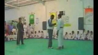 getlinkyoutube.com-Kung FU Tamer wushuكونغفو ضد الكاراتيه