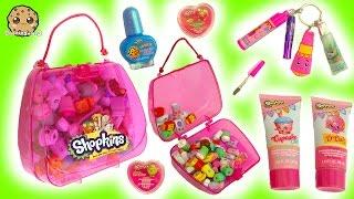 getlinkyoutube.com-Shopkins Bubble Bath, Nail Polish, Lipgloss Makeup & Handbag Surprise at Makeup Spot Playset
