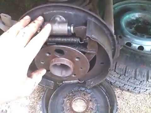 Как заменить тормозной цилиндр заднего колеса ВАЗ