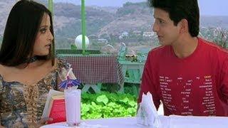 Sharman Joshi Proposes Raima Sen - 3 Bachelors