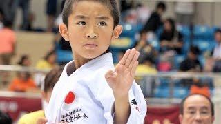 getlinkyoutube.com-空手の型っていいなあと思ってしまう映像 Beautiful! Junior Karate Kata