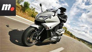 getlinkyoutube.com-Yamaha TMAX 2016 | Prueba / Test / Review en español | motos.net