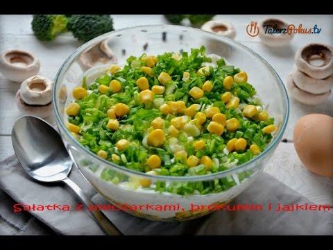 Sałatka z pieczarkami, brokułem i jajkiem
