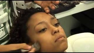 getlinkyoutube.com-TV Chic: como preparar uma pele negra perfeita antes da maquiagem