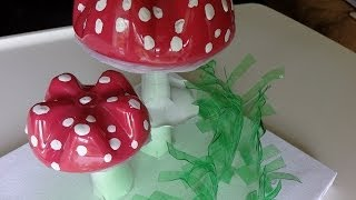 getlinkyoutube.com-Recycled Water Bottle Crafts: Amanita Muscaria - Recycled Bottles Crafts Ideas