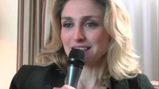 getlinkyoutube.com-Nos Plus Belles Années -  Interview Julie Gayet