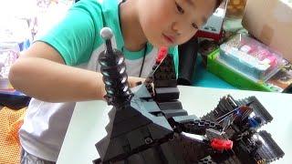 getlinkyoutube.com-레고 닌자고 에어짓주 사원 건물 블럭 장난감 완성품을 본 아이의 반응
