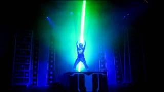 "getlinkyoutube.com-Laser show in Disney California for ""Tron Legacy"" movie release"