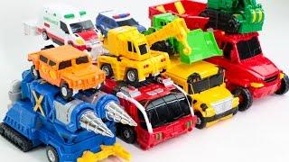getlinkyoutube.com-Carbot Construction FireTruck SchoolBus Police Ambulance Vehicle Combine Transformers Robot Car Toys