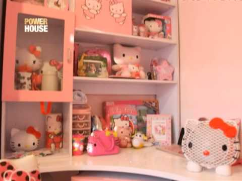 Nicole Hyala Showcases Her Hello Kitty 39 Meowseum 39 Video