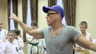 getlinkyoutube.com-Jean-Claude Van Damme Giving a Karate Lesson to the Youth