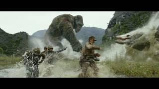"""KONG: SKULL ISLAND - """"Monster Battle"""" Clip"""