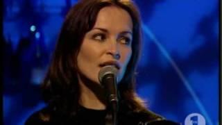 getlinkyoutube.com-The Corrs - Runaway - VH1(1996)