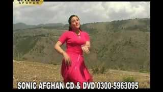 getlinkyoutube.com-Zama Pa Stargo Ke Gidar Sengay Da ....... Nice Song with Neelum Gul Nice Dance