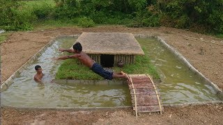 Build-Swimming-Pool-Around-Underground-House width=