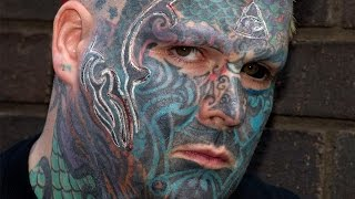 getlinkyoutube.com-Britain's Most Tattooed Man Has 3D Branding Done