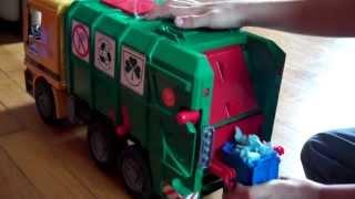 getlinkyoutube.com-Phillips Bruder Toy Garbage Truck Video 3