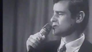 getlinkyoutube.com-Sergio Endrigo -  Lontano dagli occhi (Sanremo 1969)
