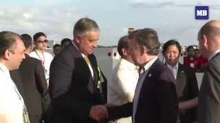 getlinkyoutube.com-Colombian President Santos arrives in Manila for APEC 2015