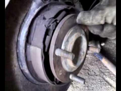 Klibantis galinis rato guolis - Mitsubishi Galant