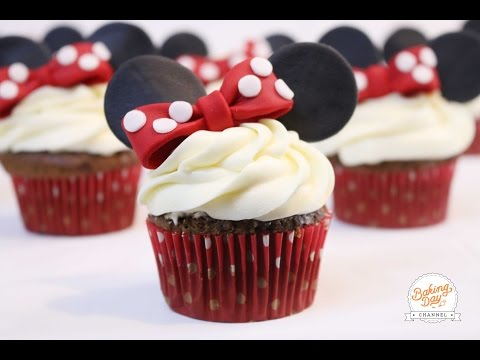 CUPCAKES DE MINNIE MOUSE - BAKING DAY