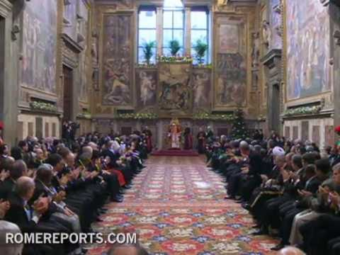 Pope meets with ambassadors on religious freedom