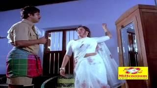 getlinkyoutube.com-Endhino Pookunna Pookkal | Malayalam Movie Clip | Aunty Seducing Mammootty Scene