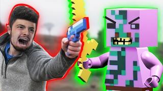 getlinkyoutube.com-LEGO meets Minecraft 4