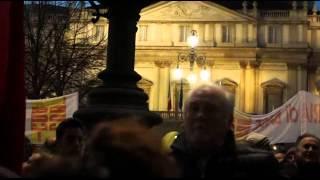 getlinkyoutube.com-Prima alla Scala contestazioni in piazza Milano 07 12 2014   CLANDESTINO2014