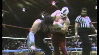 getlinkyoutube.com-WWC: Invader #3 vs. Mr. Pogo (1990)