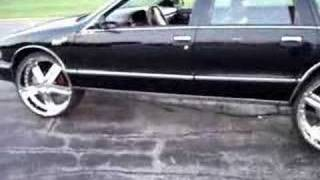 getlinkyoutube.com-How to put 24s, 26s+  on your Chevy Caprice Bubble CHROME
