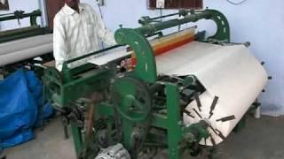 getlinkyoutube.com-Government weaving loom near Geejgerh Sikandra, India