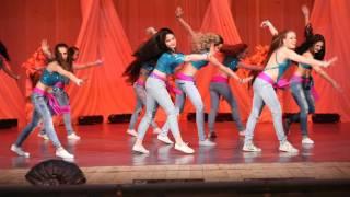 getlinkyoutube.com-Street shaabi. FAIZA belly dance group. Choreographer and art director - Veronica Fatin.