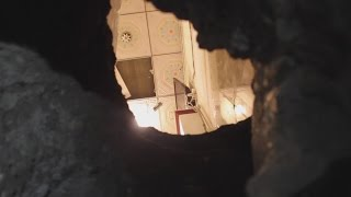 getlinkyoutube.com-Thieves dig 25 metre tunnel into jewellery shop