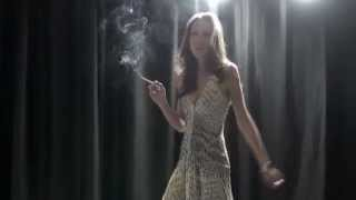getlinkyoutube.com-Beautiful Farrah smoking and dancing